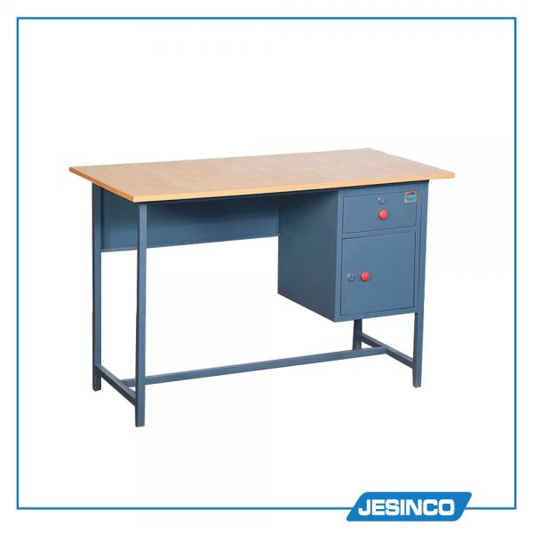 48x24x32 Melamine Writing table